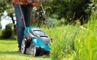 Как работать газонокосилкой