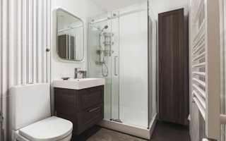 Душевая кабина в интерьере ванной