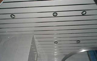 Как сделать реечный потолок в ванной комнате