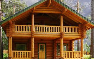 Красивое крыльцо деревянного дома